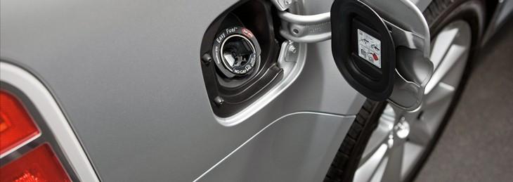 Як видалити воду з бензобаку автомобіля
