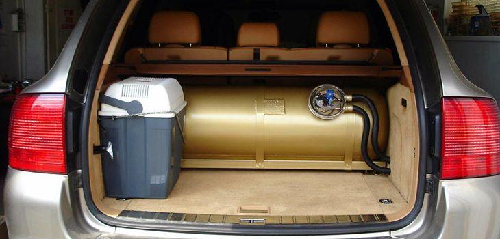 Заправка автомобіля газом. Переваги та недоліки.