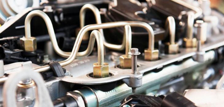 Якщо буде порушена цілісність паливного шланга, штуцера, бензобака, то може статися швидкий витік бензину та навіть зовнішнє загоряння.